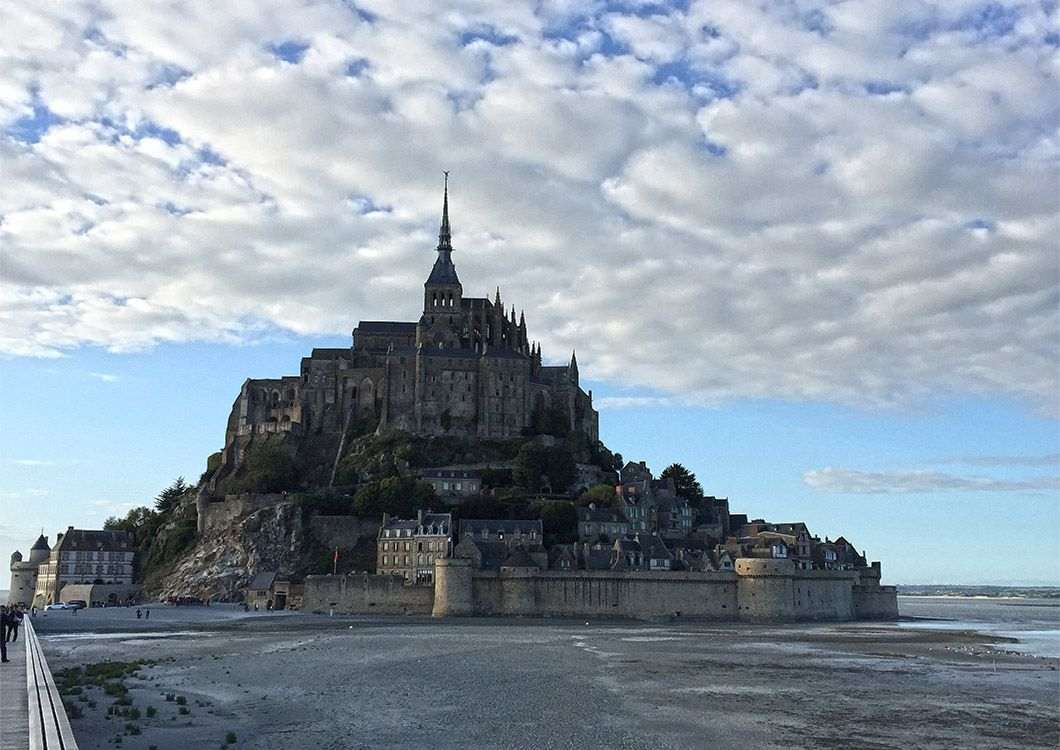Le Mont Saint-Michel - D-Day Tour / Paris - Normandy