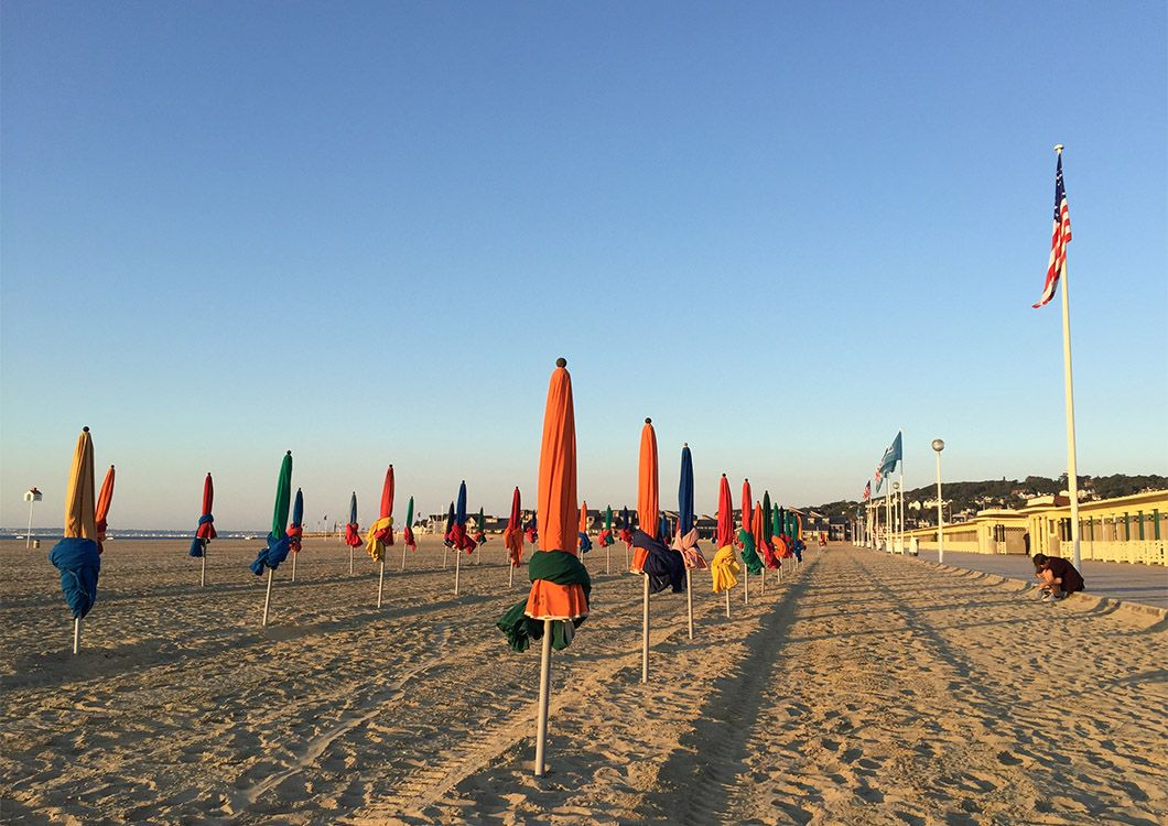 Beach of Deauville - D-Day Tour / Paris - Normandy